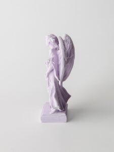 Imagem do Anjo da Guarda em pó de pedra natural, feito à mão, para menino.
